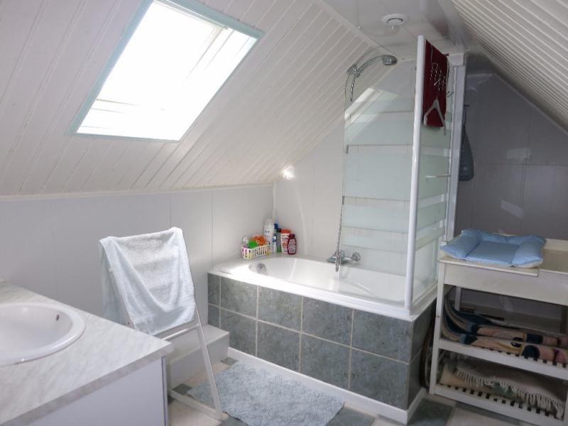 Sale house / villa Ambillou 272000€ - Picture 9