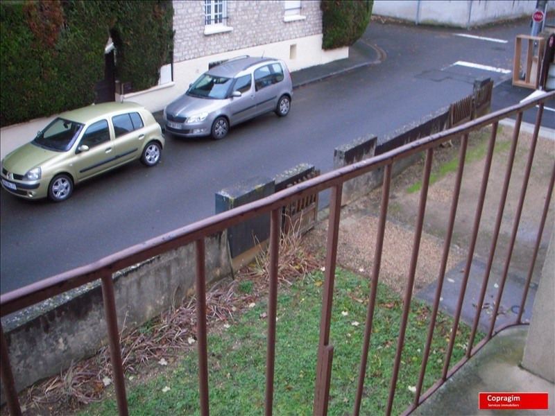 Rental apartment Montereau fault yonne 525€ CC - Picture 2