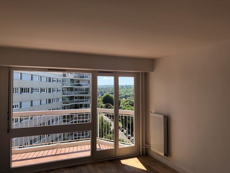Rental apartment Marly le roi 890€ CC - Picture 2