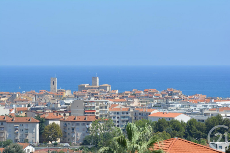 Sale apartment Antibes 380 000€ - Picture 1