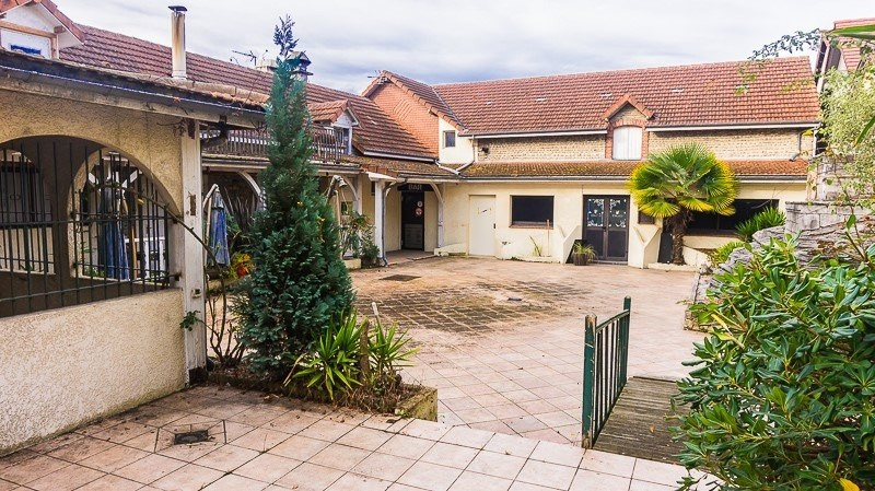 Sale building Pau 390 000€ - Picture 1