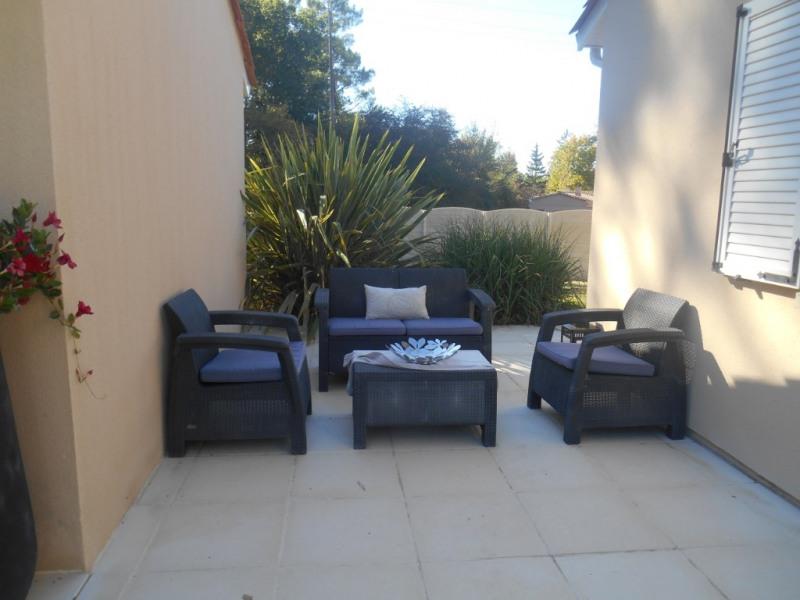 Deluxe sale house / villa La brede 644000€ - Picture 8