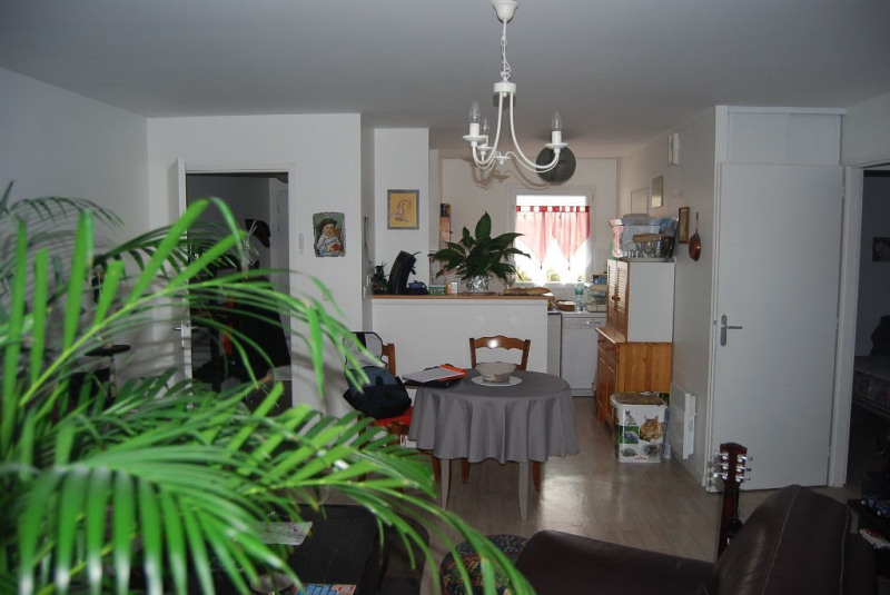 Sale apartment Aytre 160 250€ - Picture 1
