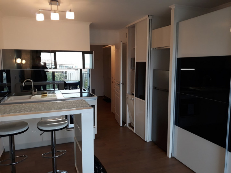 Vacation rental apartment Mer plages centre ville 510€ - Picture 3