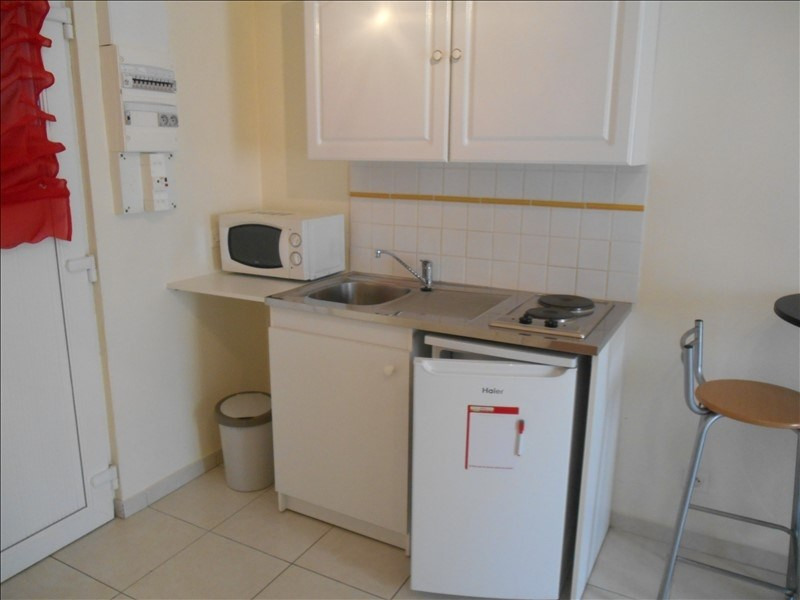 Location appartement Sainte savine 360€ CC - Photo 3