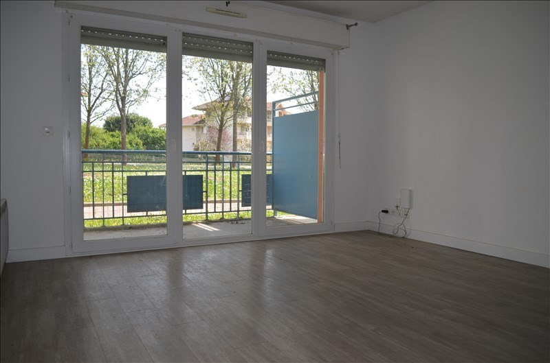 Sale apartment Pau 108 000€ - Picture 2