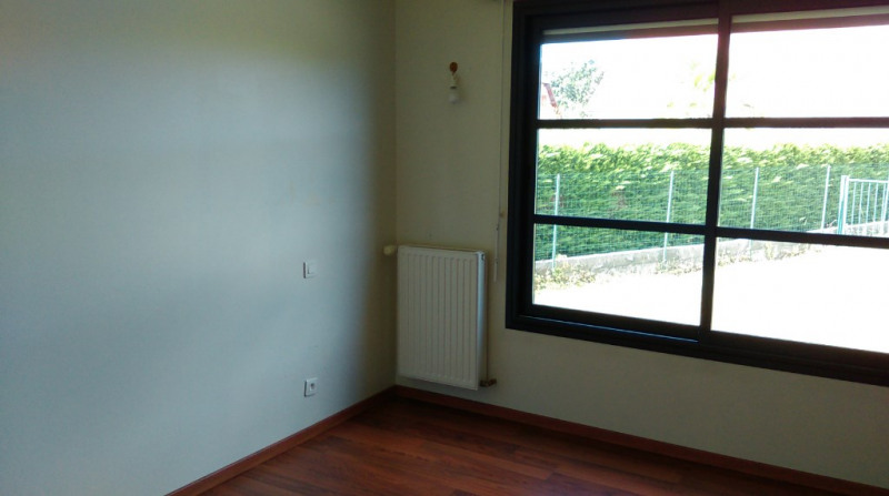 Location maison / villa Sauvagnon 1 050€ CC - Photo 7