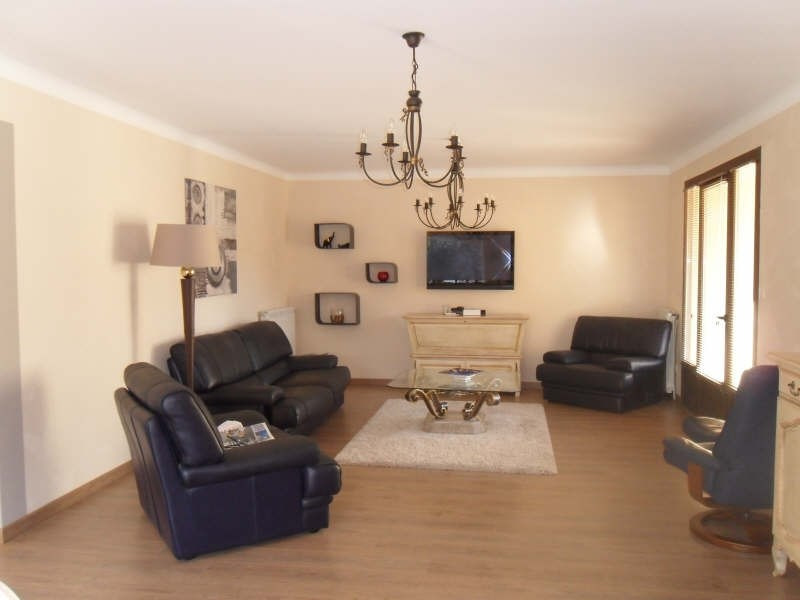 Deluxe sale house / villa Eyguieres 599000€ - Picture 3