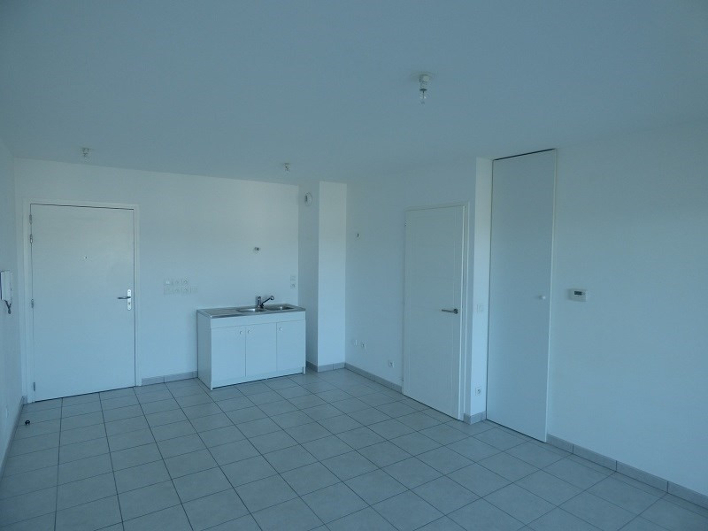 Rental apartment Annemasse 702€ CC - Picture 3