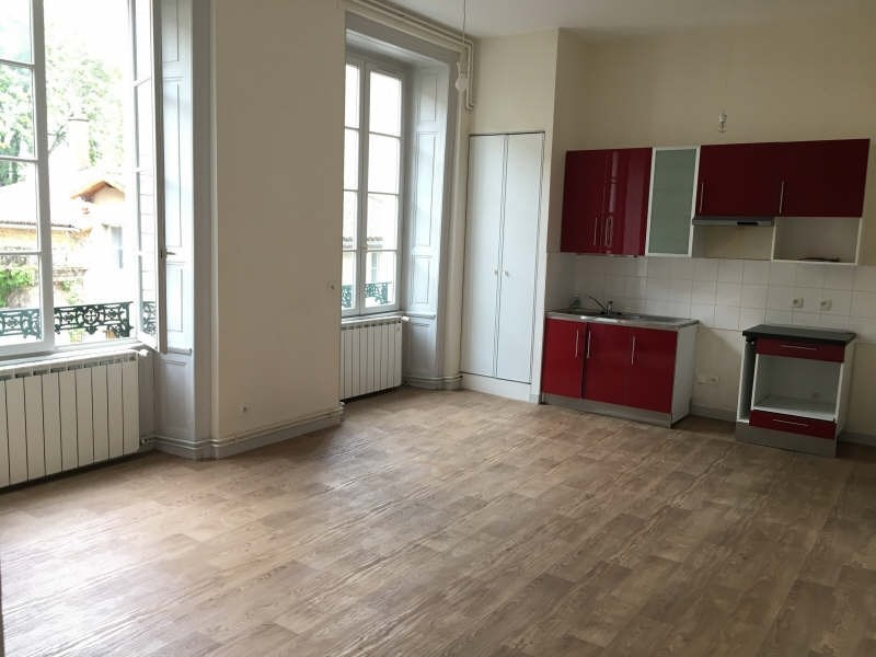 Location appartement Poitiers 536€ CC - Photo 1