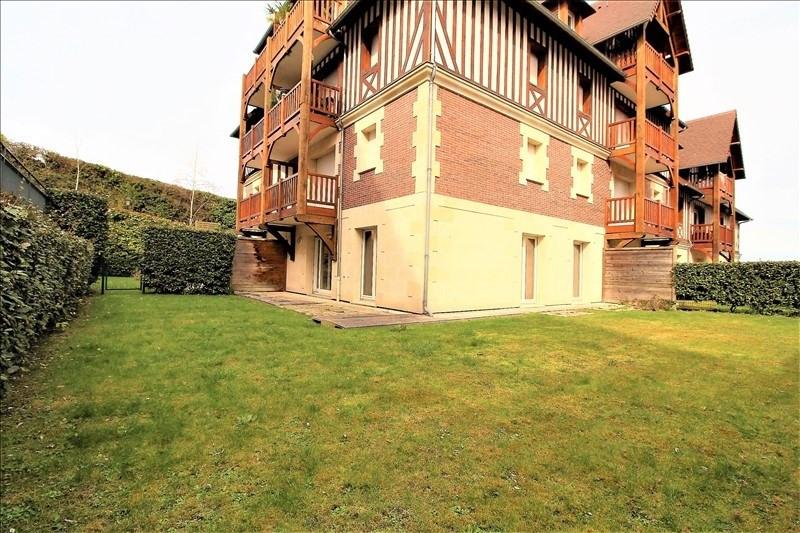 Sale apartment Deauville 259700€ - Picture 1