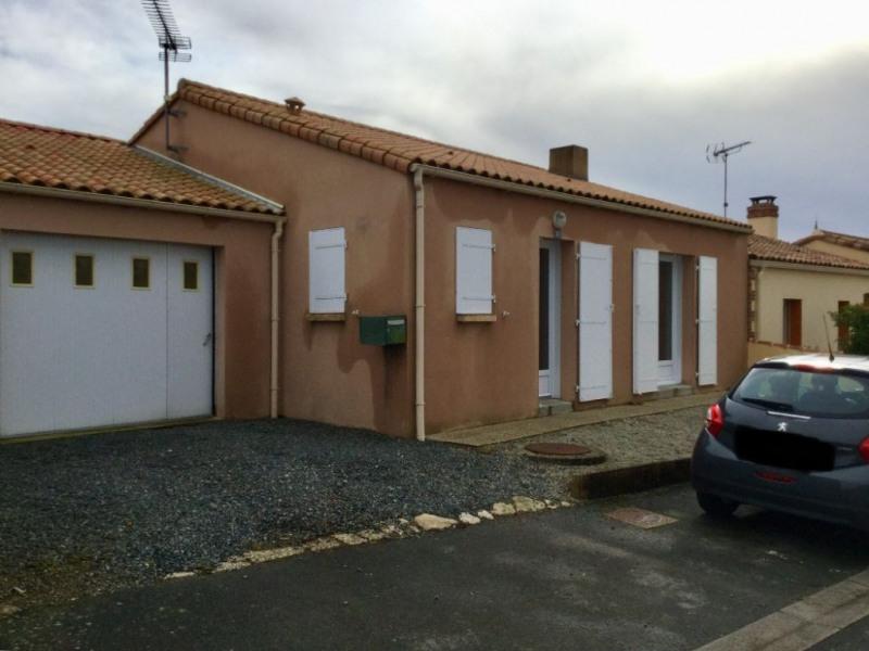 Location maison / villa La ferriere 580€ CC - Photo 1