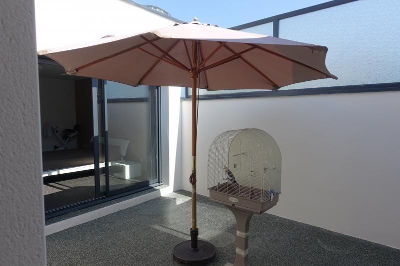 Deluxe sale house / villa Lumbin 420000€ - Picture 10