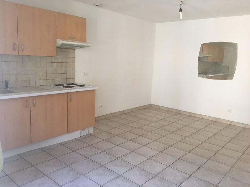 Rental apartment Merville 482€ CC - Picture 1