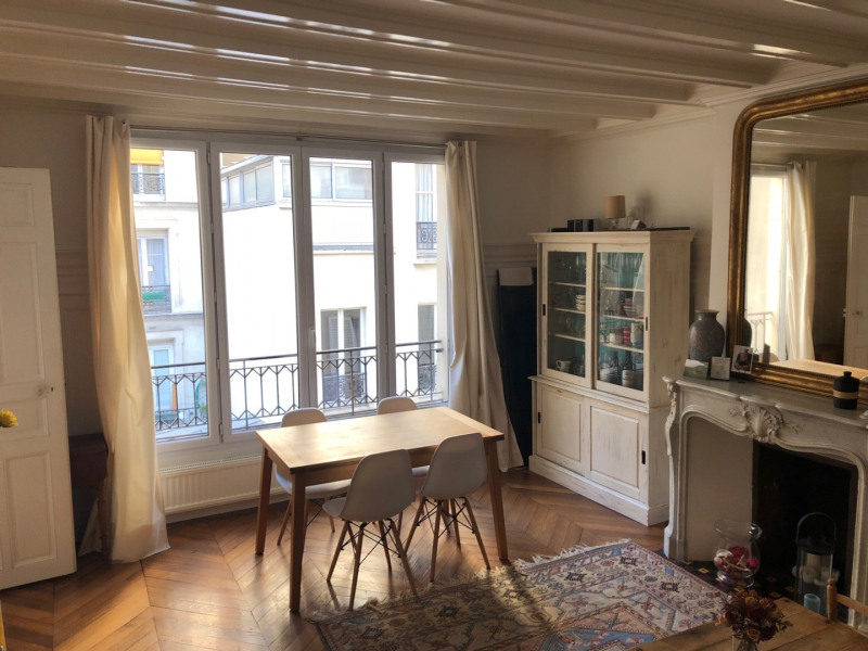Sale apartment Paris 10ème 695 000€ - Picture 1
