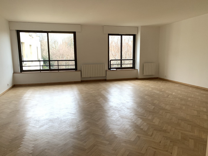 Location appartement Paris 7ème 3 490€ CC - Photo 1