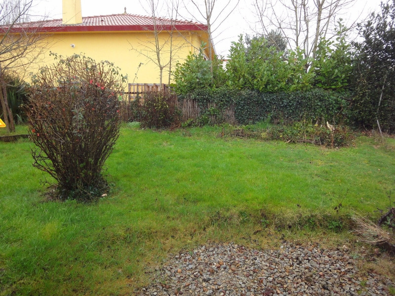 Location maison / villa La roche sur yon 722€ CC - Photo 6