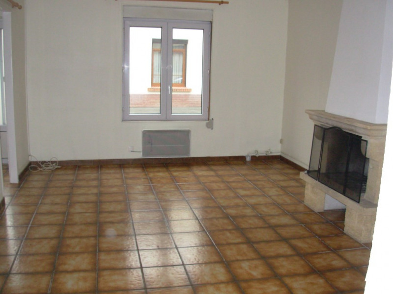 Rental house / villa Saint quentin 512€ CC - Picture 9