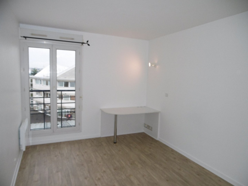 Location appartement Antony 719€ CC - Photo 2