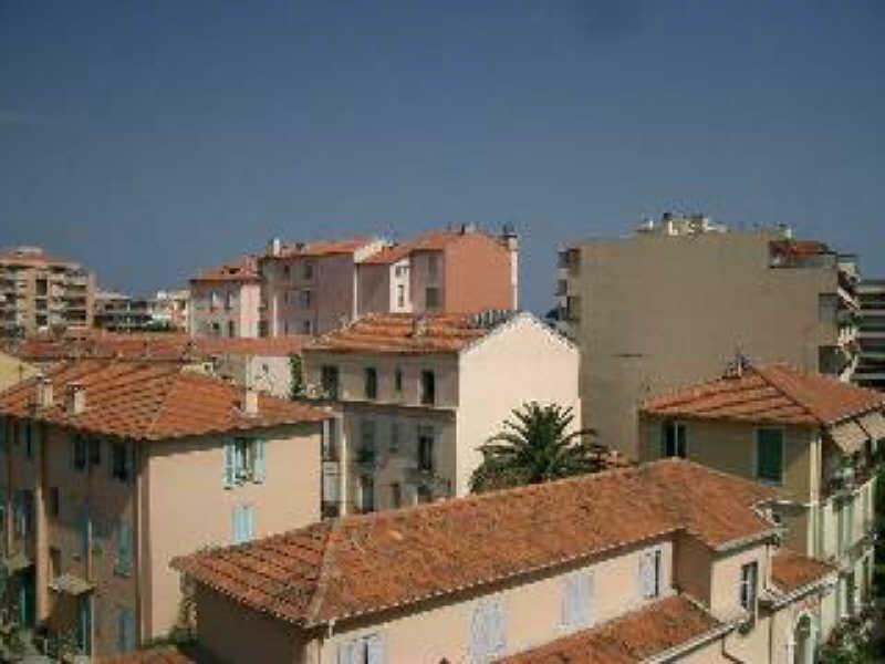 Location appartement Menton 951€ CC - Photo 7