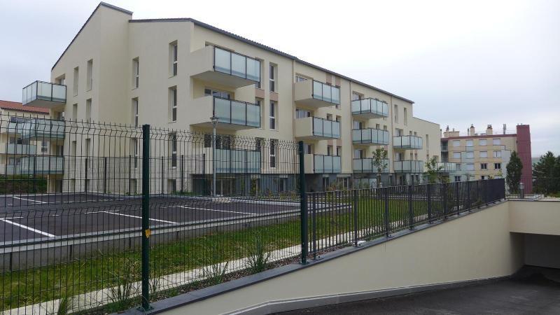 Rental apartment Vernaison 729€ CC - Picture 1