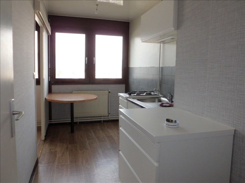 Rental apartment Chambery 562€ CC - Picture 2