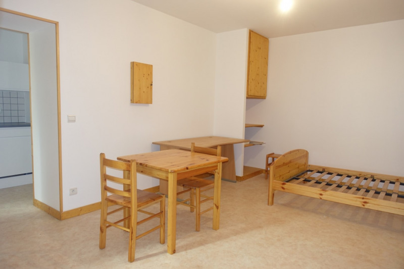 Rental apartment Morez 380€ CC - Picture 1