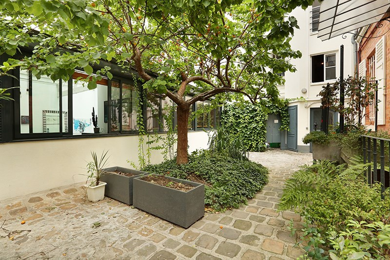 Vente de prestige loft/atelier/surface Paris 18ème 1 390 000€ - Photo 1