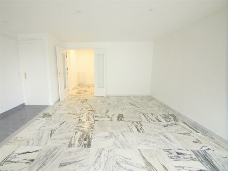 Location appartement Nice 640€ CC - Photo 2