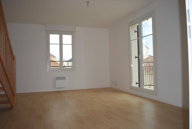 Rental apartment Villiers sur orge 910€ CC - Picture 1