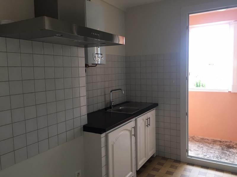 Rental apartment Salon de provence 760€ CC - Picture 4