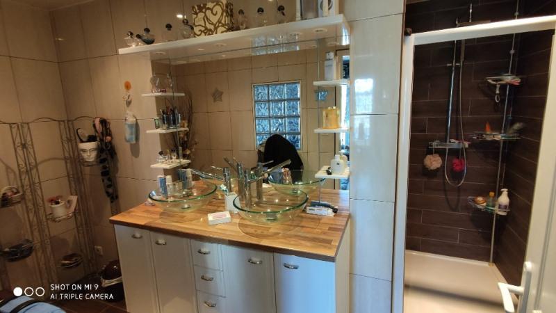 Sale house / villa Lesdins 185000€ - Picture 4