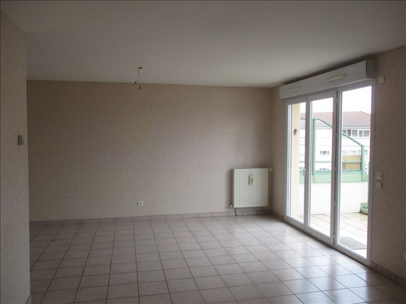 Sale apartment Riorges 117 700€ - Picture 2