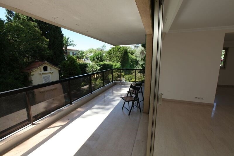 Deluxe sale apartment Cannes 742 000€ - Picture 5