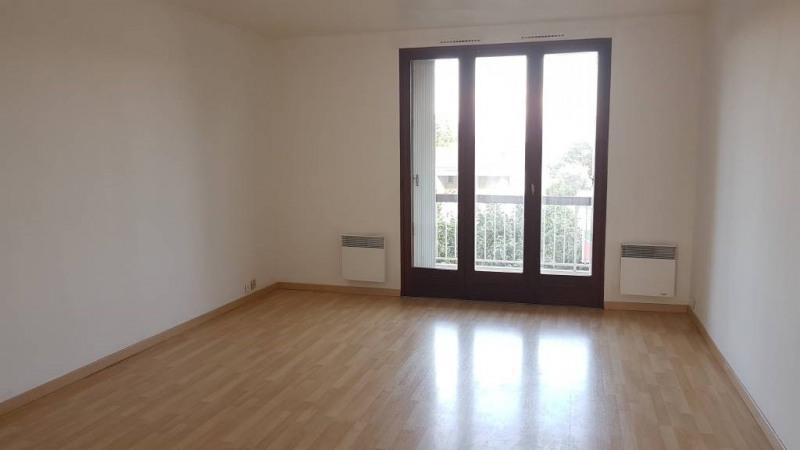 Rental apartment Avignon 590€ CC - Picture 1