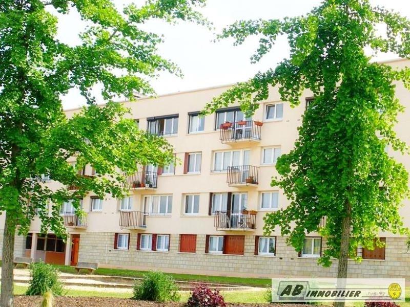 Rental apartment Poissy 840€ CC - Picture 1