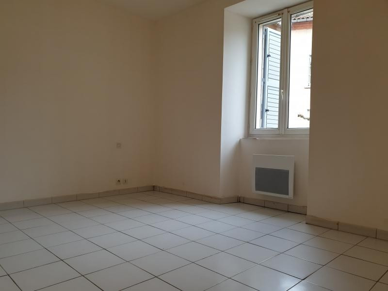 Location appartement Carmaux 343€ CC - Photo 2