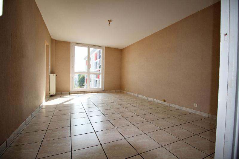 Sale apartment Lorient 66000€ - Picture 2