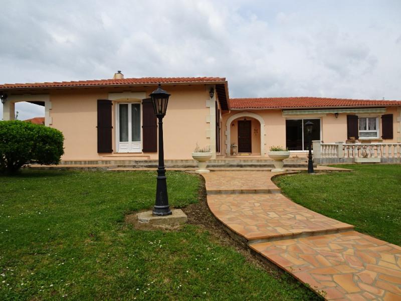 Sale house / villa Vergeroux 499200€ - Picture 1