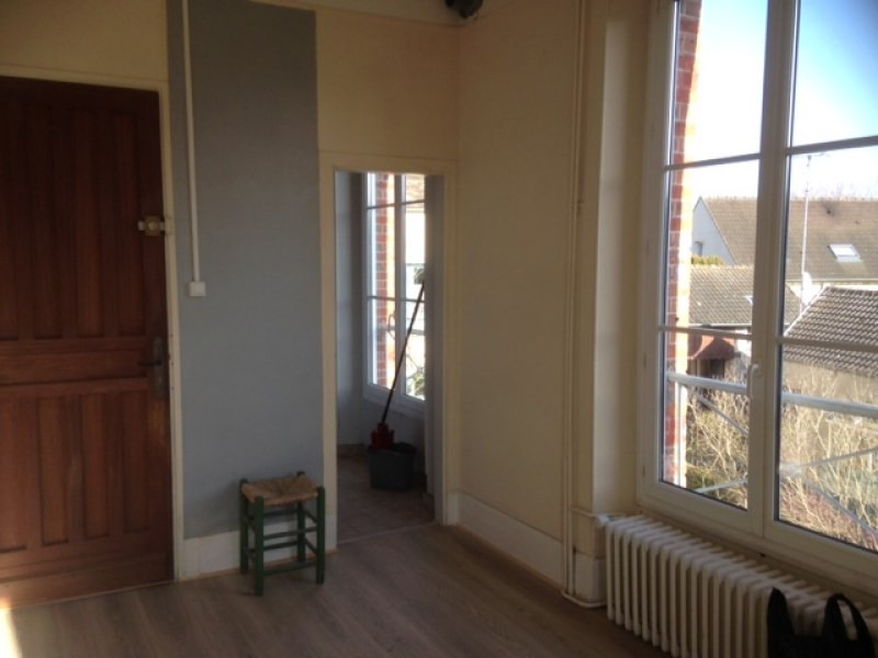 Rental apartment Chamarande 640€ CC - Picture 2