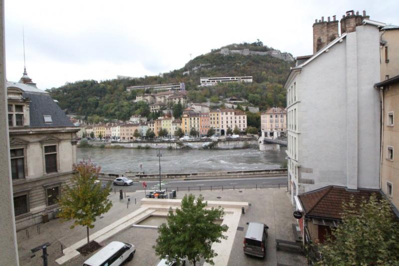 Location appartement Grenoble 680€ CC - Photo 1