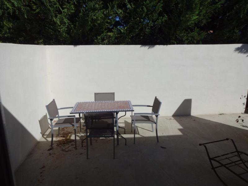 Rental apartment Althen des paluds 825€ CC - Picture 1