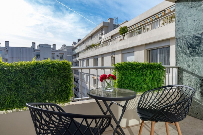 Verkoop van prestige  appartement Nice 690000€ - Foto 1