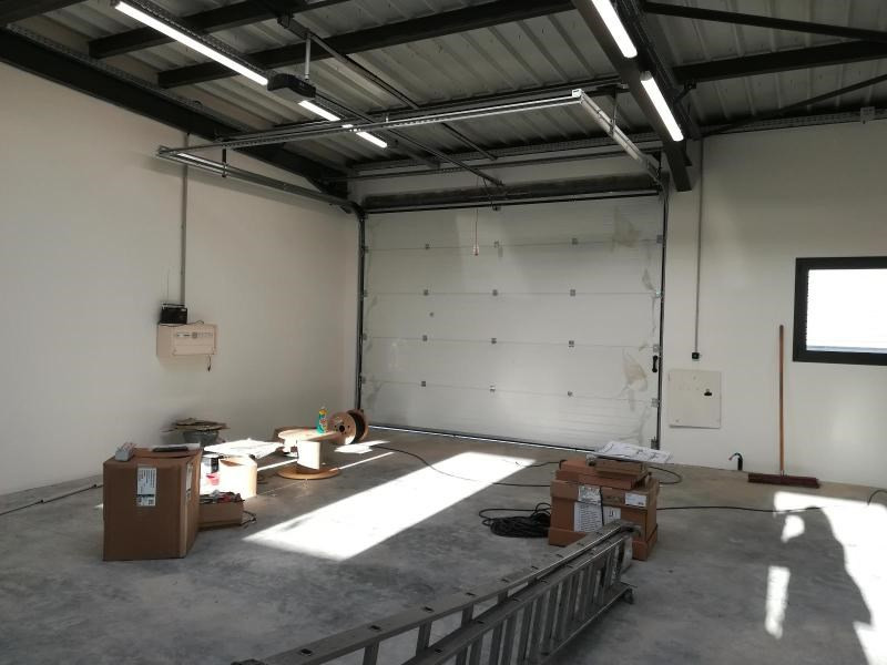 Location local commercial Vif 1200€ CC - Photo 5