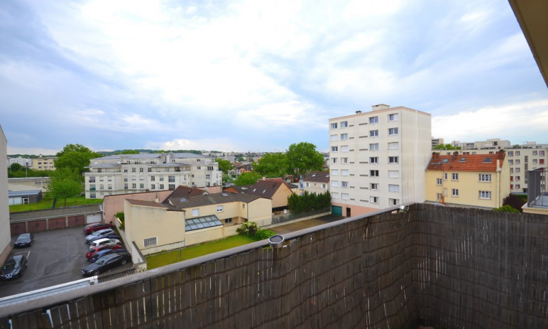 Location appartement Nanterre 1090€ CC - Photo 1