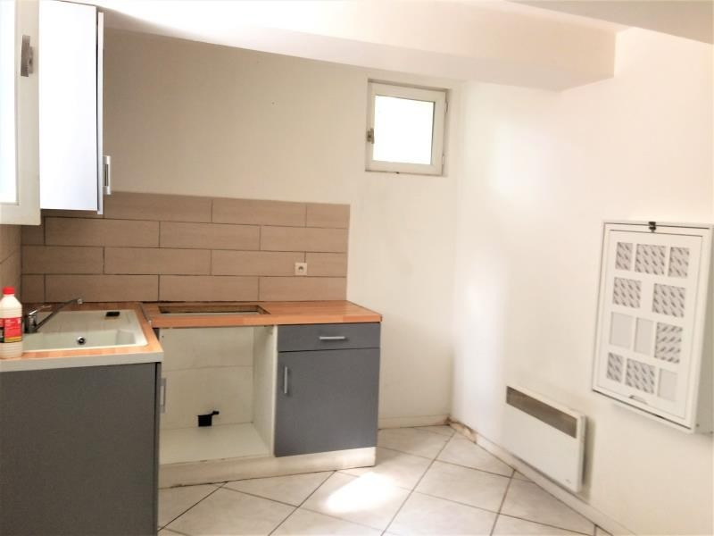 Sale apartment Brignoles 60 000€ - Picture 2