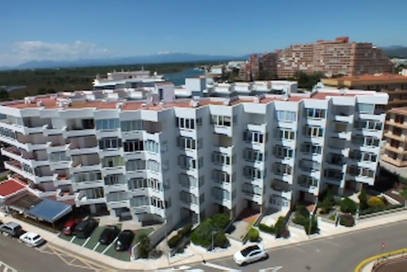 Location vacances appartement Roses santa-margarita 296€ - Photo 1