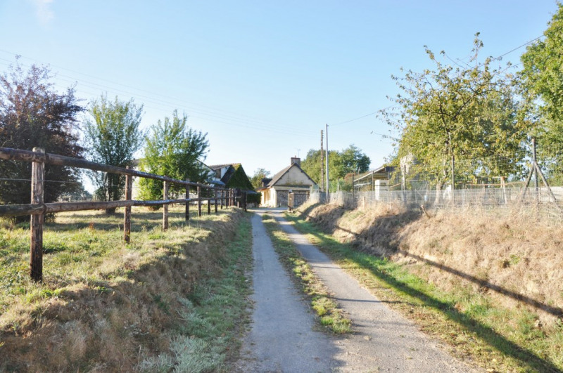 Sale house / villa Villiers charlemagne 244000€ - Picture 1