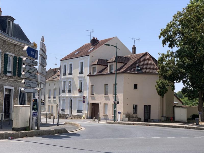 Rental apartment Saint-ouen-l'aumône 615€ CC - Picture 1