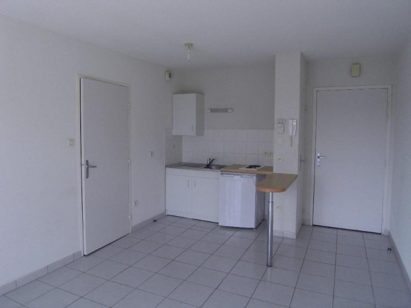 Rental apartment Cognac 383€ CC - Picture 1
